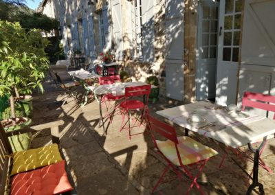 terrasse-clos-rodolphe-petit-dejeuner-2